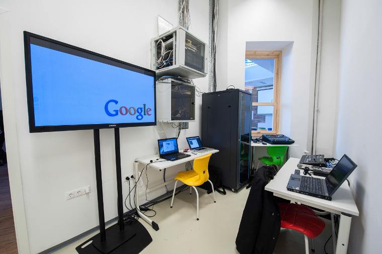 google-ground-budapest-4