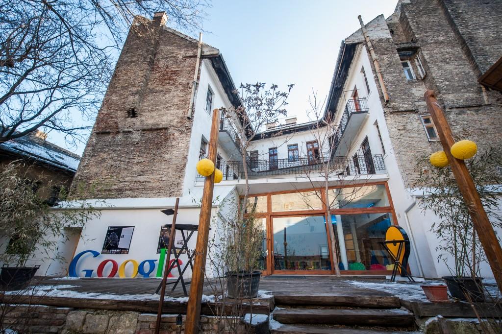 google-ground-budapest-8