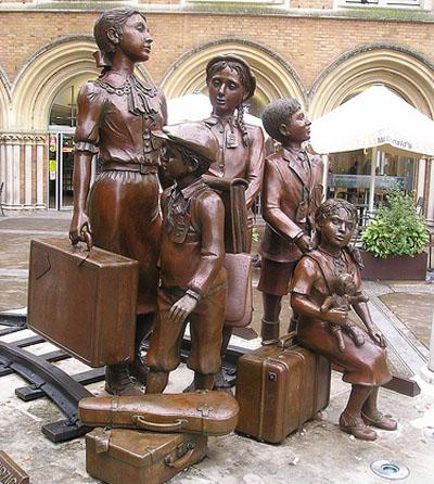 KinderStatue Sir Nicholas Winton