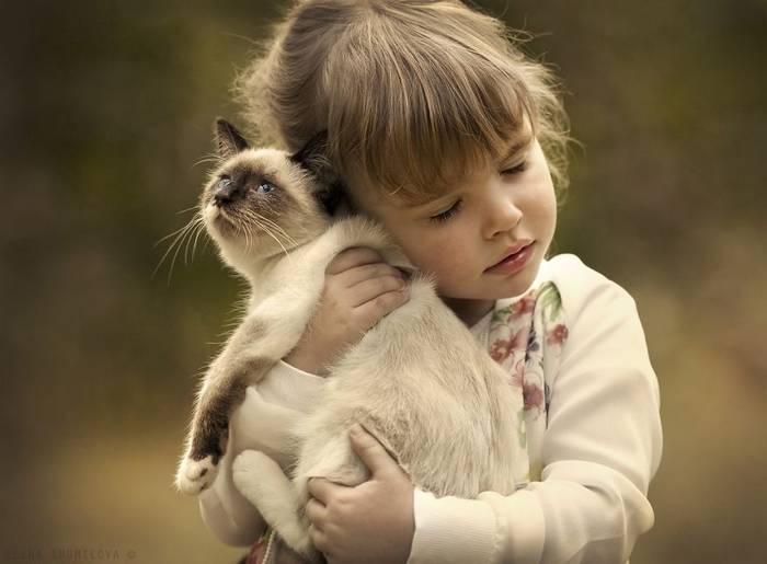 gyerekek-macskaikkal-007