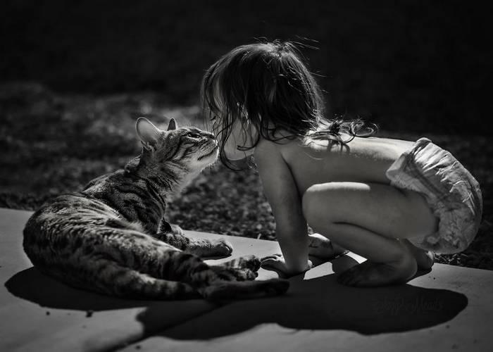 gyerekek-macskaikkal-008