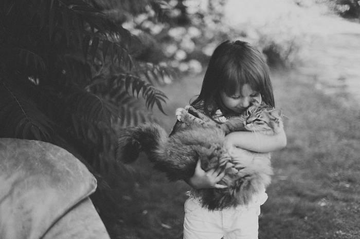 gyerekek-macskaikkal-018