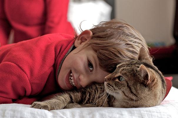 gyerekek-macskak-034